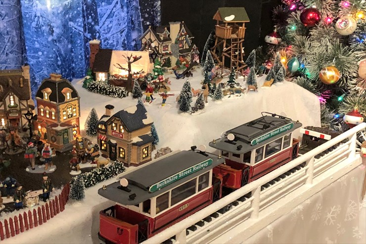 Last 2 days to visit the Museum's Christmas display