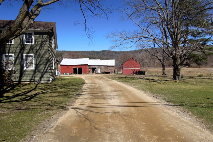 Resurfaced driveway & new parking area at the Farmstead